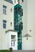 Domácí výtahová plošina v ocelové konstrukci