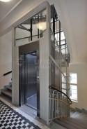 Trakční výtah v ocelové konstrukci
