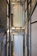 Usazování výtahových dveří