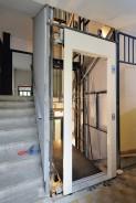 Usazování šachetních výtahových dveří