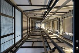 Vnitřní pohled na výtahovou šachtu