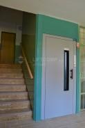 rekonstrukce výtahů, ruční výtahové dveře
