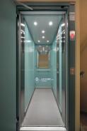Trakční výtah se strojovnou, kabinové automatické dveře BUS